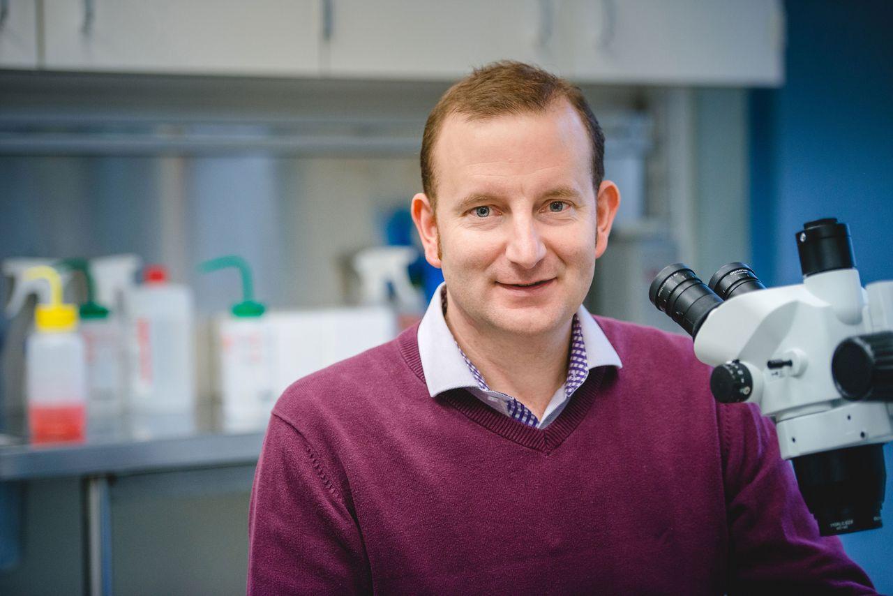 Prof. Dr. med. Antoine Adamantidis ist Direktor und Gruppenleiter am Zentrum für Experimentelle Neurologie der Universitätsklinik für Neurologie.