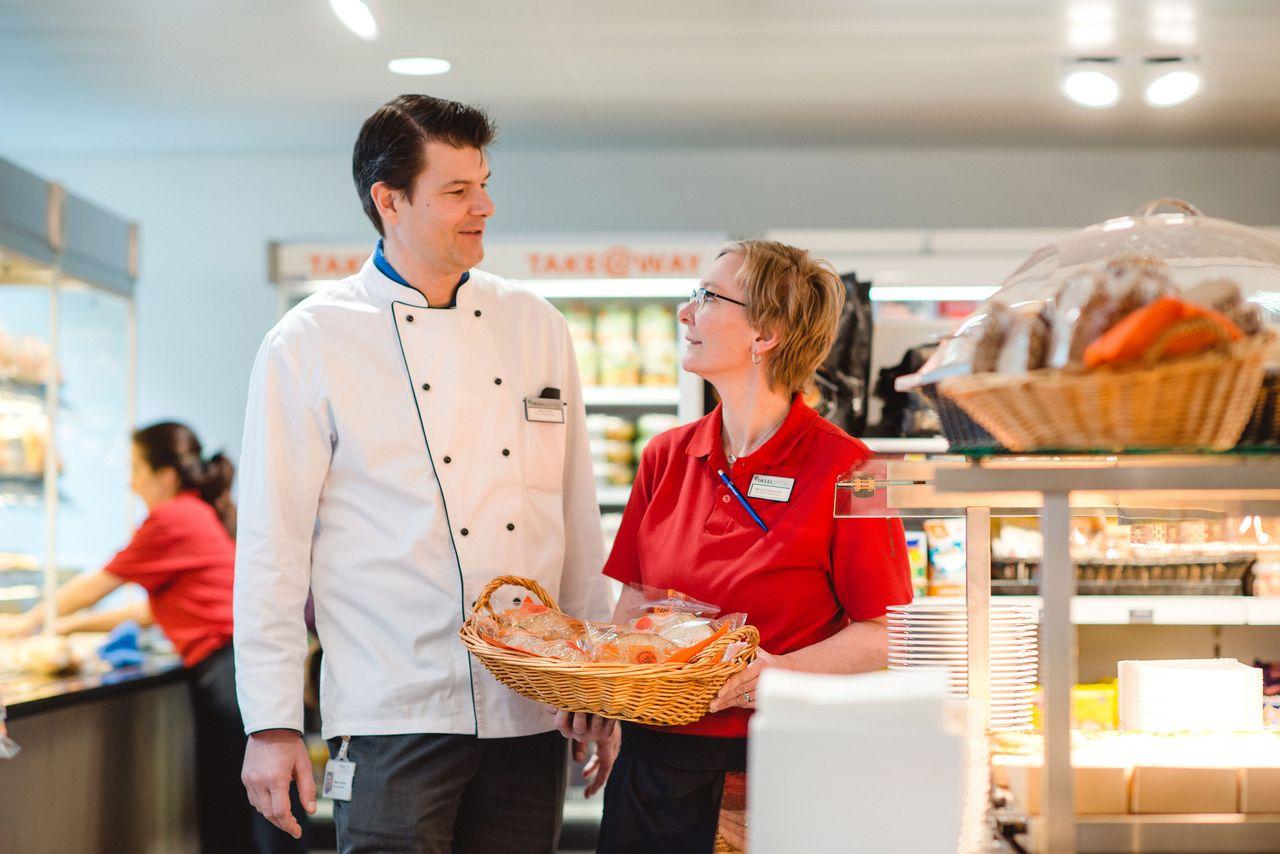 Restaurant Centro – Peter Kedros, Stv. Leiter Küchen – Monika Dummermuth, Assistentin Restaurant Centro